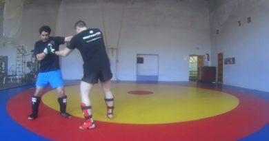 Бокс. Два прямых и апперкот в корпус