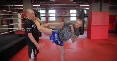 как научиться бить ногами в голову