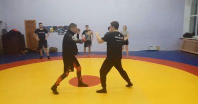 Как пробить опытного бойца. Ложные атаки в боксе